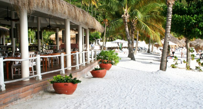 beach restaurant in st lucia