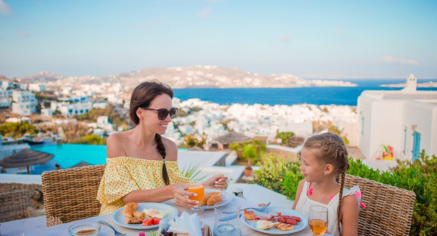 dining in mykonos