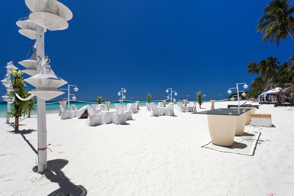 beach wedding in bahamas