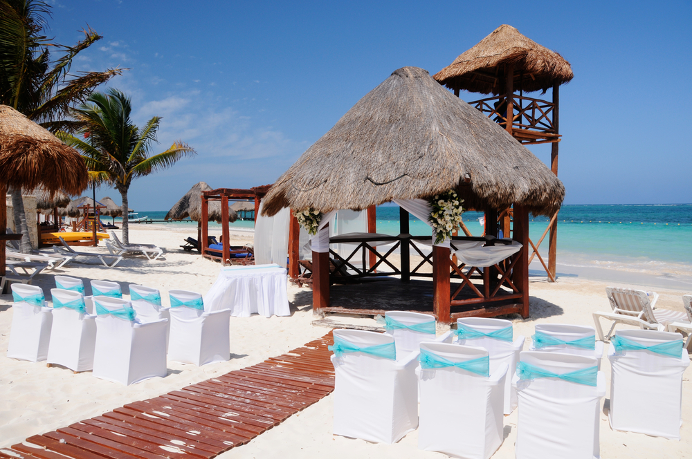 beach wedding in cancun, mexico